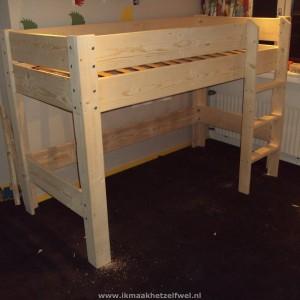 bed-steigerhout-hoogslaper