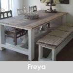 steigerhouten in de woonkamer tafel