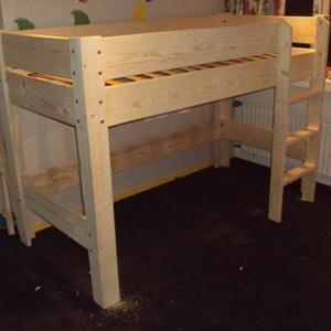 bed-steigerhout-hoogslaper1